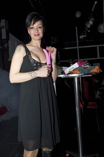 8-marzo-festa-della-donna-lapdance-erotic-show-night-club496