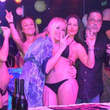 10-2--penelope-lap-dance-night-club-addio-al-celibato-nubilato350