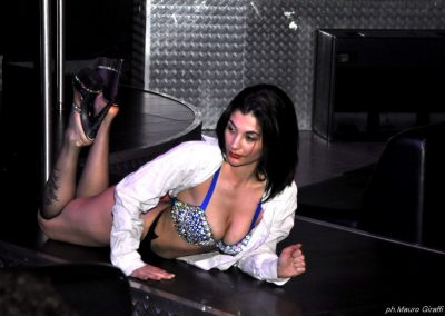 penelope-lap-dance-night-club-addio-al-celibato-nubilato-sally-blu-225