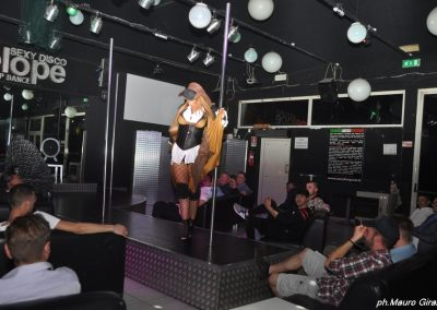penelope-lap-dance-night-club-addio-al-celibato-nubilato-cristina-bella11