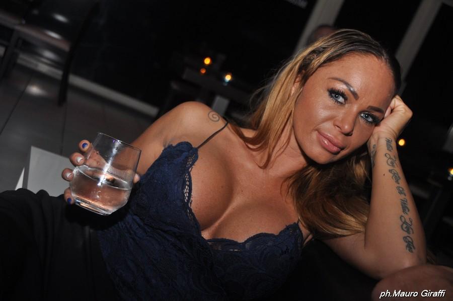 Cristina Bella live