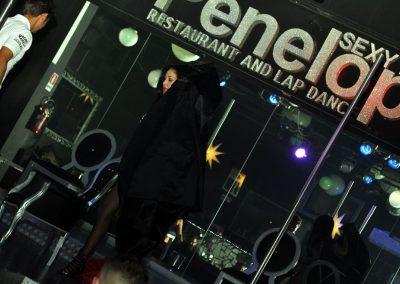 -penelope-lap-dance-night-club-addio-al-celibato-nubilato-liana-winter-118