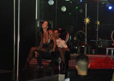 -penelope-lap-dance-night-club-addio-al-celibato-nubilato-liana-winter-122