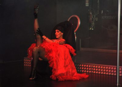 -penelope-lap-dance-night-club-addio-al-celibato-nubilato-liana-winter-98