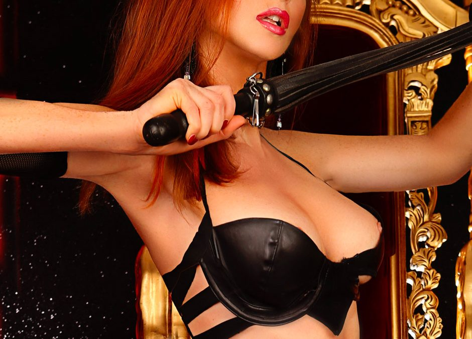 Pornostar Petra Satin nel miglior lap dance night club in Toscana