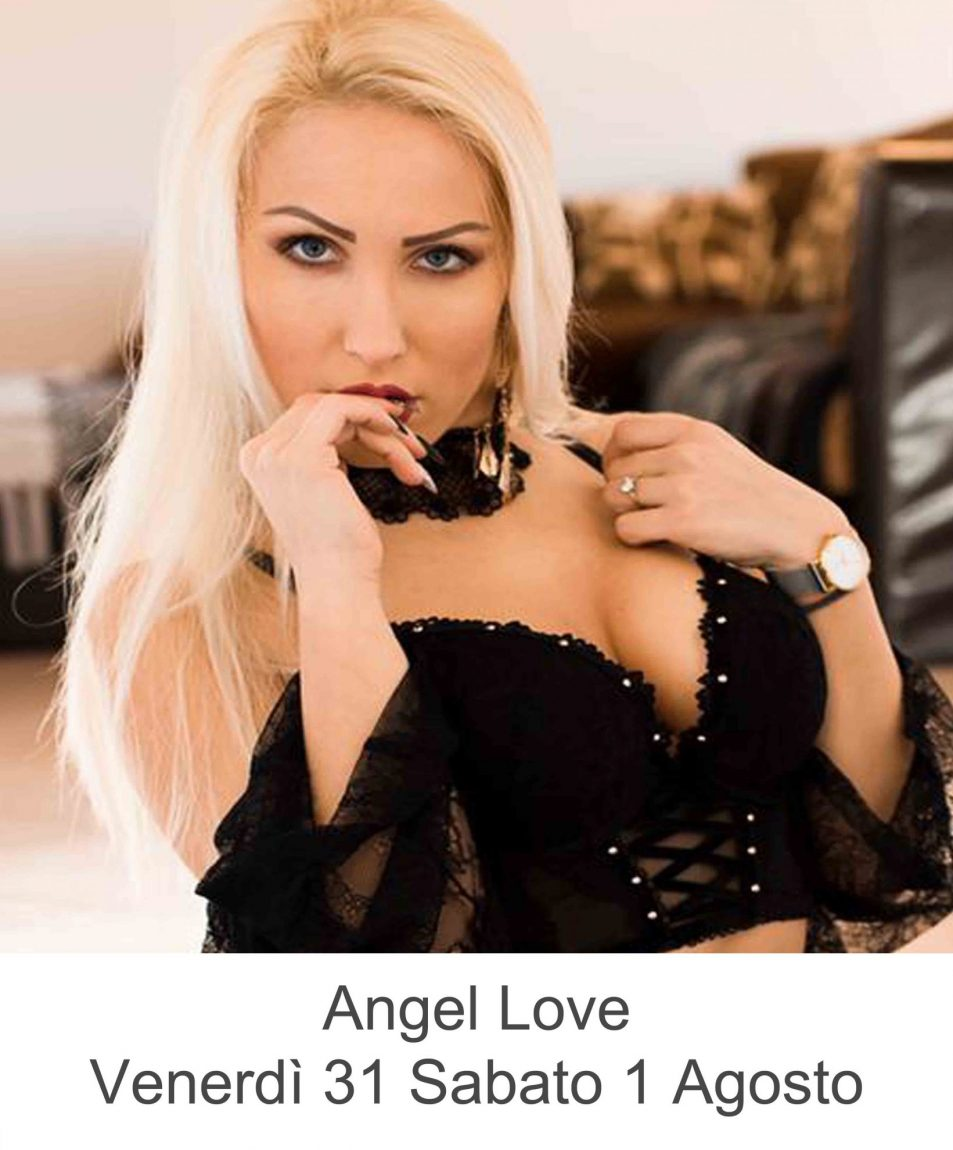 Pornostar Angel Love